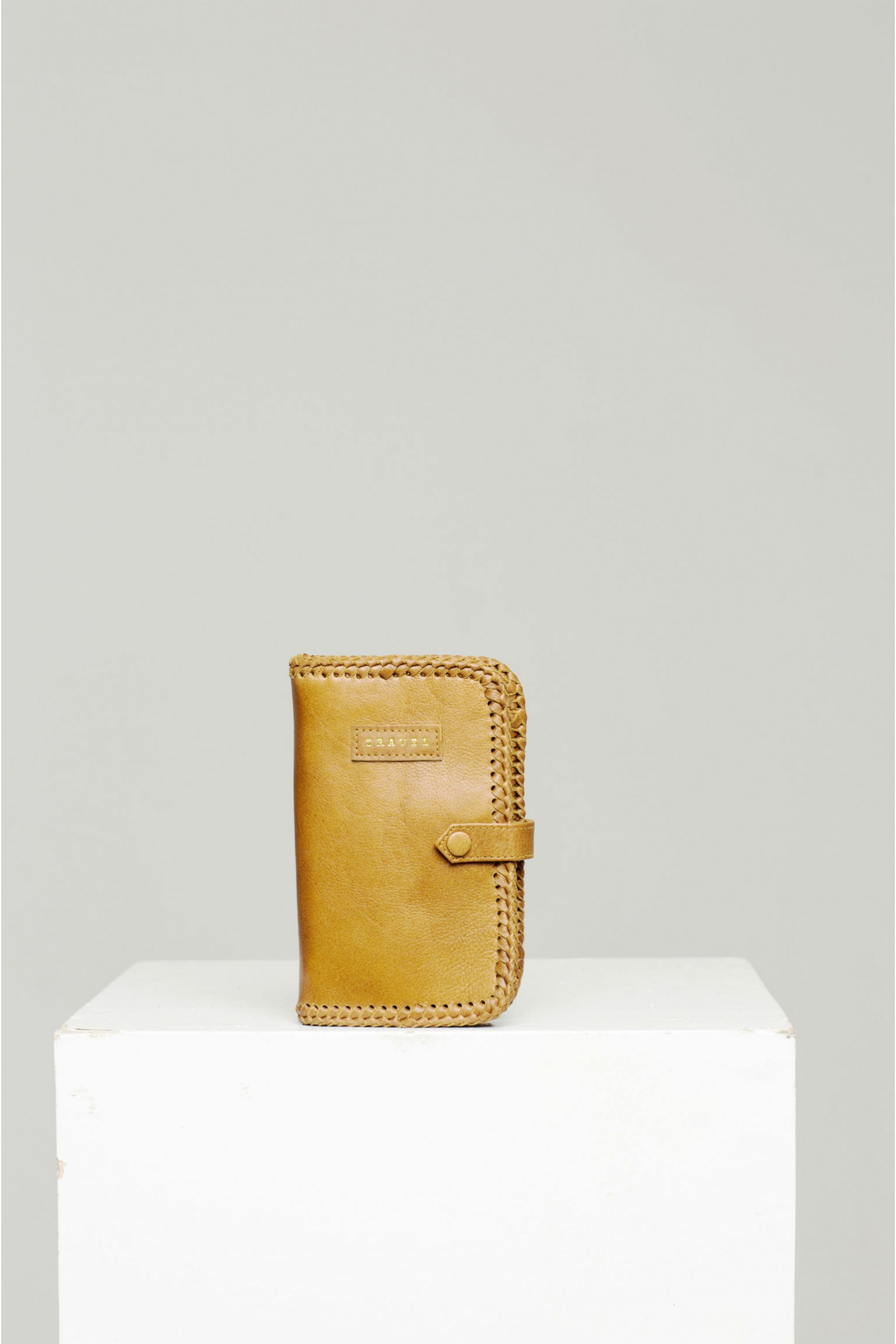 Rue Stiic Passport Holder