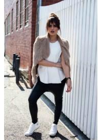 Mode and Affaire Collier Fur Vest